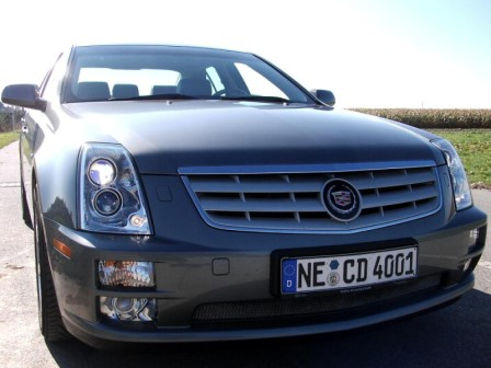 Cadillac STS 4.6 V8 - Foto: press-inform