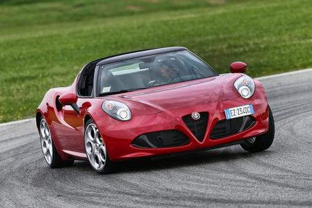 alfa romeo 4c spider fahrbericht alle autos. Black Bedroom Furniture Sets. Home Design Ideas
