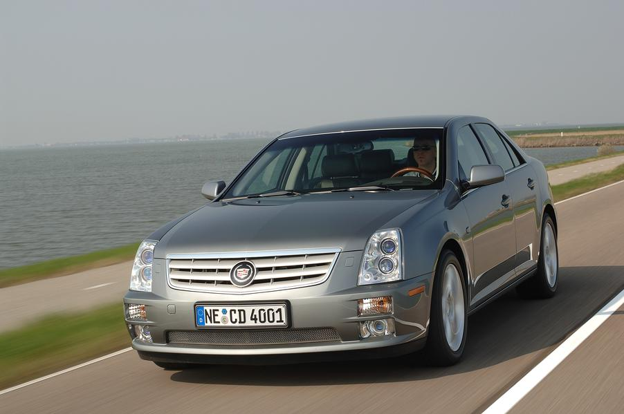 cadillac sts 4 6 v8 fahrbericht foto 10 von 18 alle autos. Black Bedroom Furniture Sets. Home Design Ideas